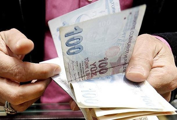 Emekli aylığı asgari ücretin altına itiliyor