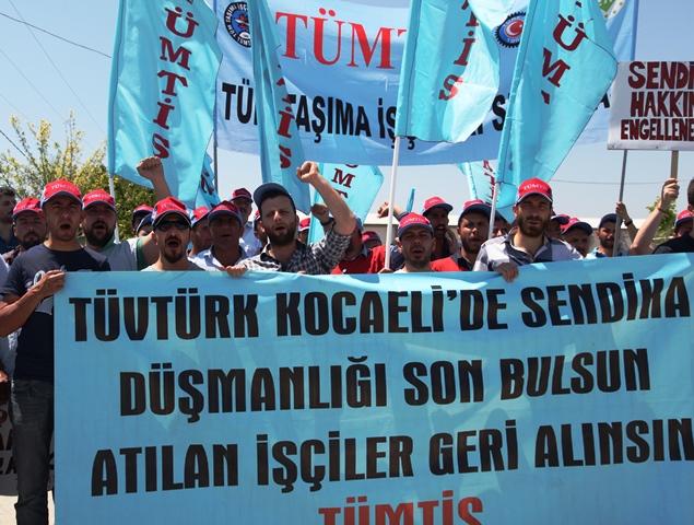 Tüvtürk-Gölcük'te İşten Atma Protesto Edildi